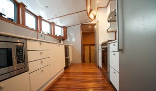 Shangani Middle Deck fully fitted kitchen