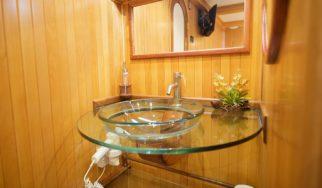 The Bushman Suite - Bathroom