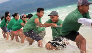 teambuilding corporate tug of war rafting kayaking shangani yacht catamaran phuket thailand